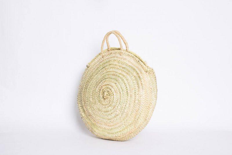 capazo bolso redondo de palma natural que se puede utilizar como bolso