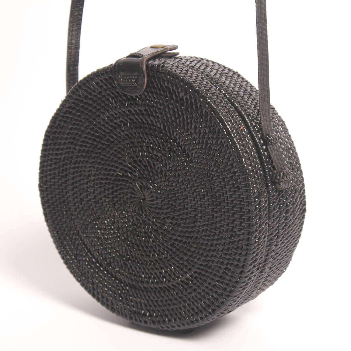 Bolso redondo negro de Ratan